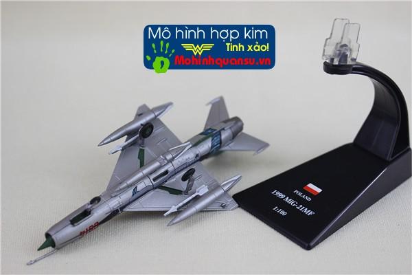 Mô hình máy bay tiêm kích Mig-21