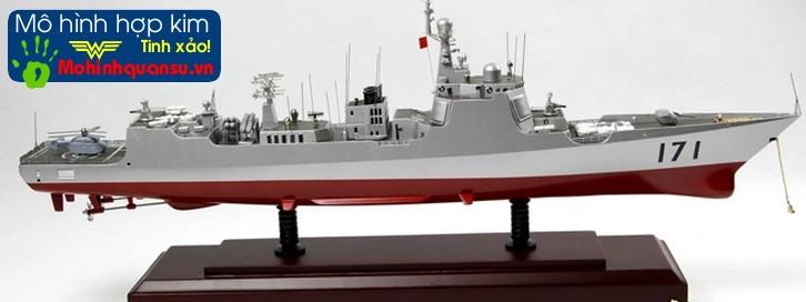 Mô hình tàu chiến hoàn toàn làm bằng hợp kim rất bền đẹp theo thời gian