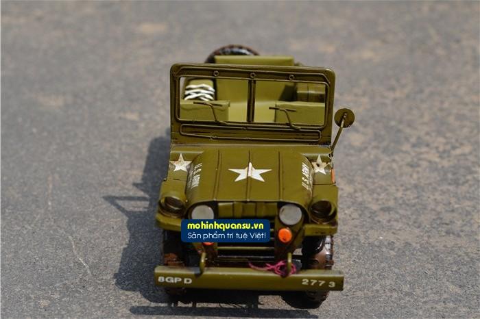 Mô hình xe Jeep với các chi tiết rất tinh xảo